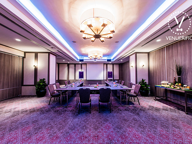 function halls for corporate meeting event