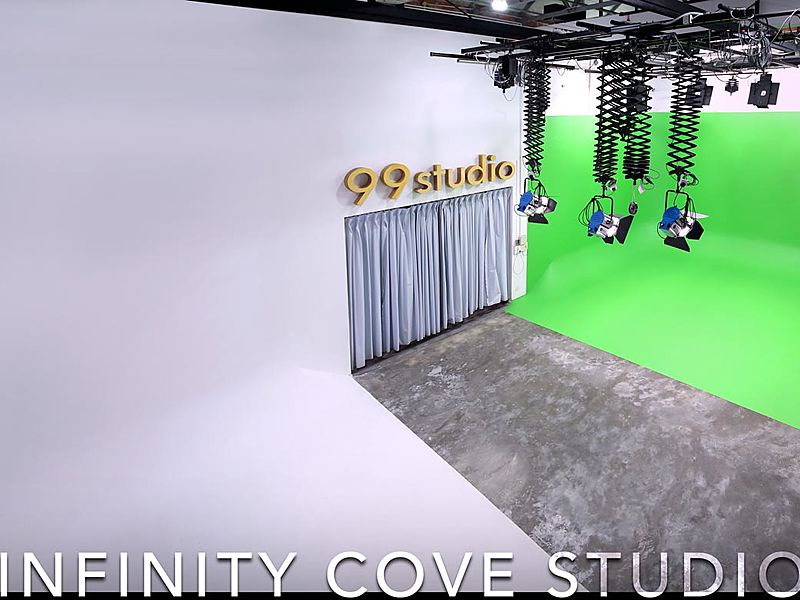 photoshoot and videoshoot area with green screen facility