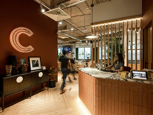 the wooden lobby theme of common ground bansar south