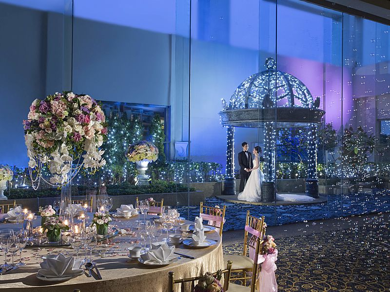 magical night of wedding party celebration
