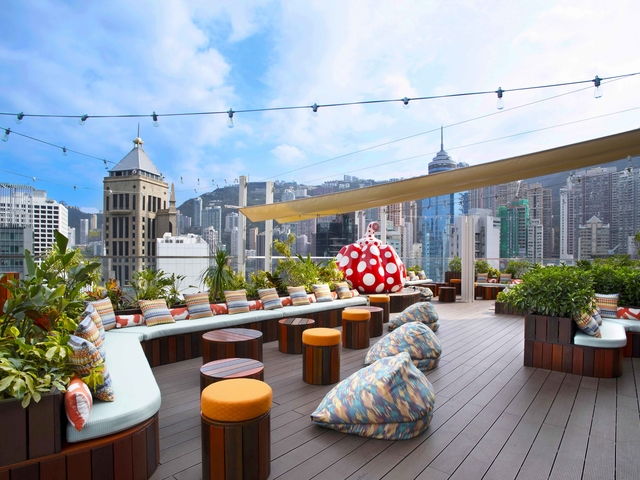Piqniq rooftop alfresco dining central hong kong venuerific medium
