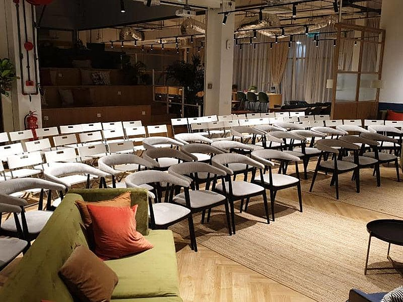 media event using theatre style seating
