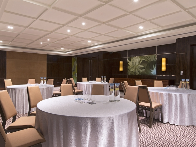 singapore medium size banquet hall for corporate dinner event