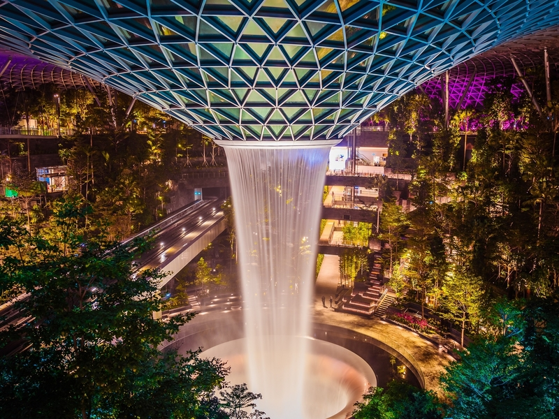 largest indoor waterfall at jewel changi airport