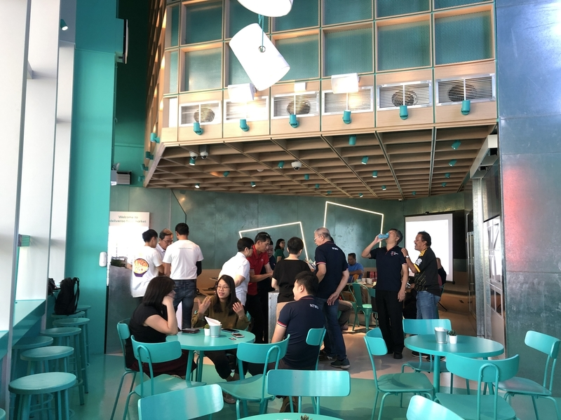 deliveroo-food-market-casual-meeting-space-singapore