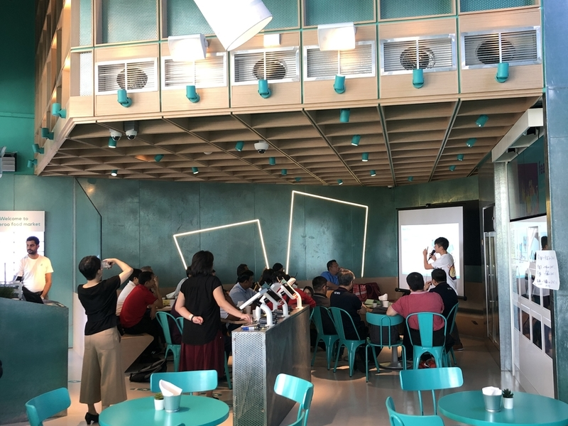 deliveroo-food-market-best-place-for-client-meeting-singapore
