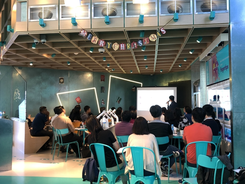 deliveroo-food-market-seminar-room-with-screen-singapore