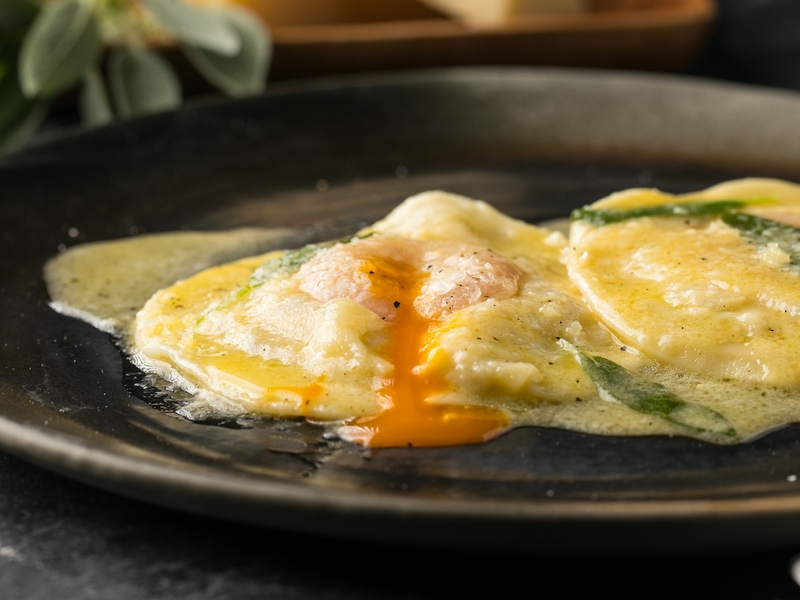 liberta-italian-restaurant-jakarta-with-tasty-foods-venuerific