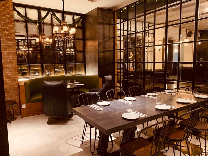 liberta-italian-restaurant-jakarta-elegant-place-for-birthday-venuerific