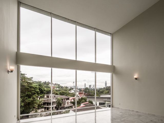 function space with ceiling to floor window