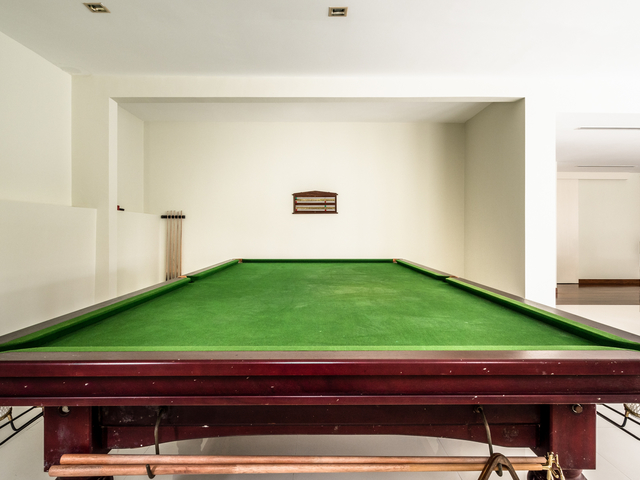 pool table as one of the entertainment facilities by changkat duta luxury villa