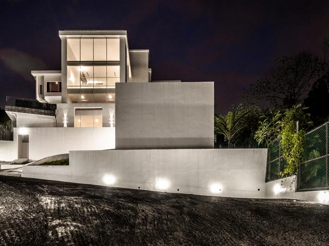 the building of changkat duta luxury villa