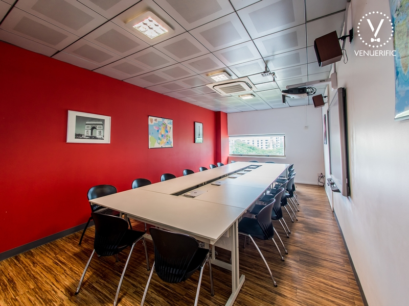 meeting room for around 16 pax with boardroom setting