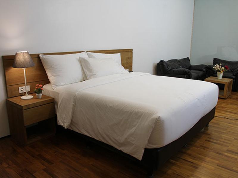 nagomi-suites-simple-unique-party-space-jakarta-venuerific