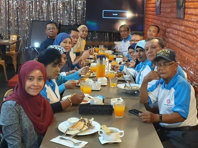 business lunch with corporate team team