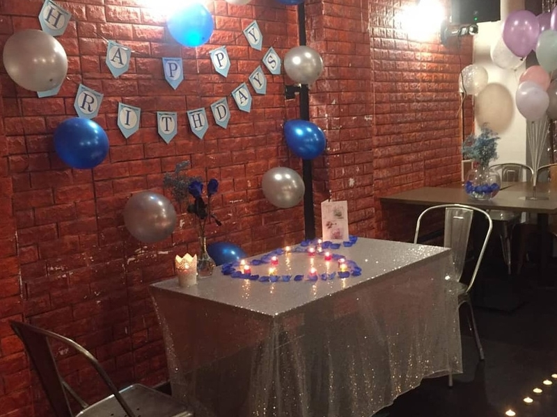 birthday table decoration for couple