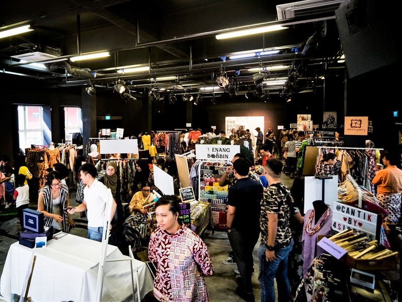 crowded fashion bazaar by aliwal arts centre within kampong glam area