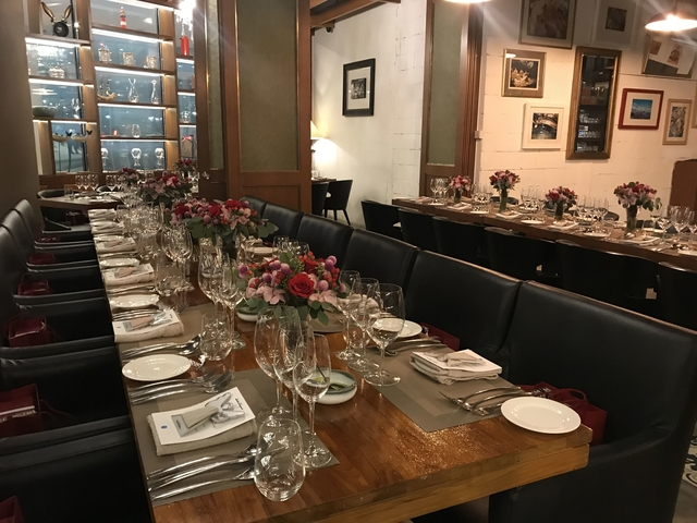 long dining table set up