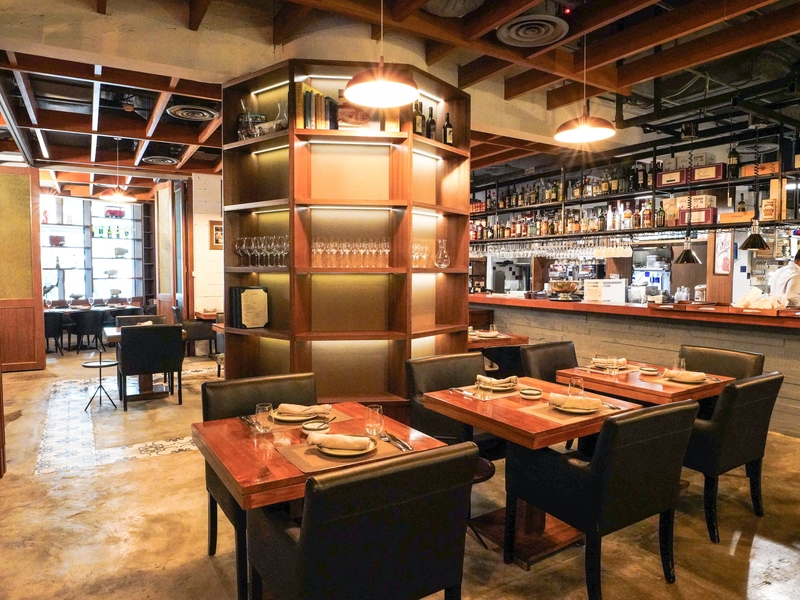 spanish restaurant with open kitchen in singapore