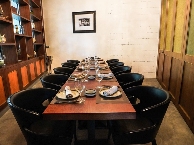 wood chair with black chair for small capacity dining event