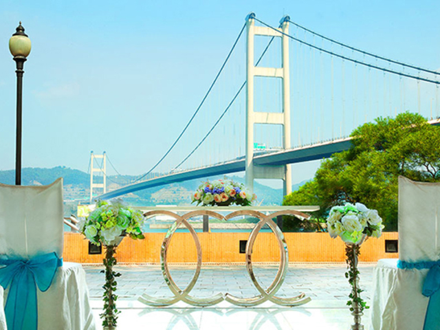 large and scenic open terrace for solemnisation with tsing ma bridge's view