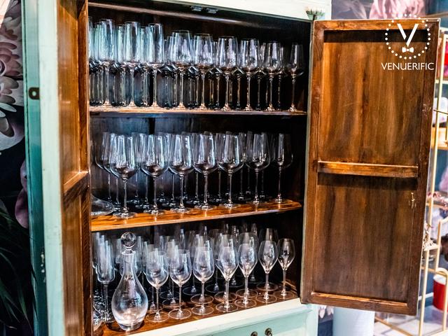 wine glasses inside the wine rack