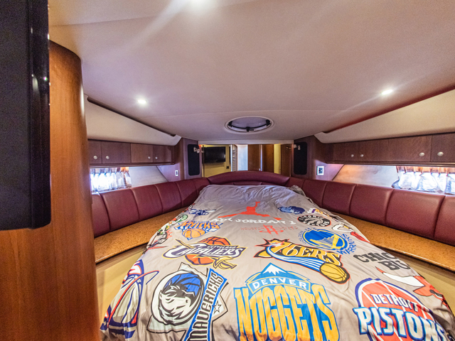 honeymoon yacht in singapore with small bedroom