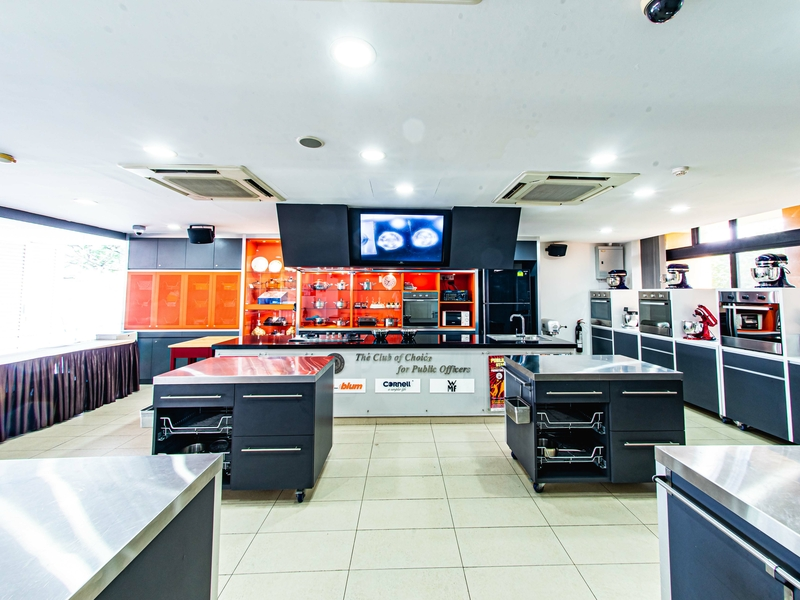 large cooking studio in singapore with kitchen set