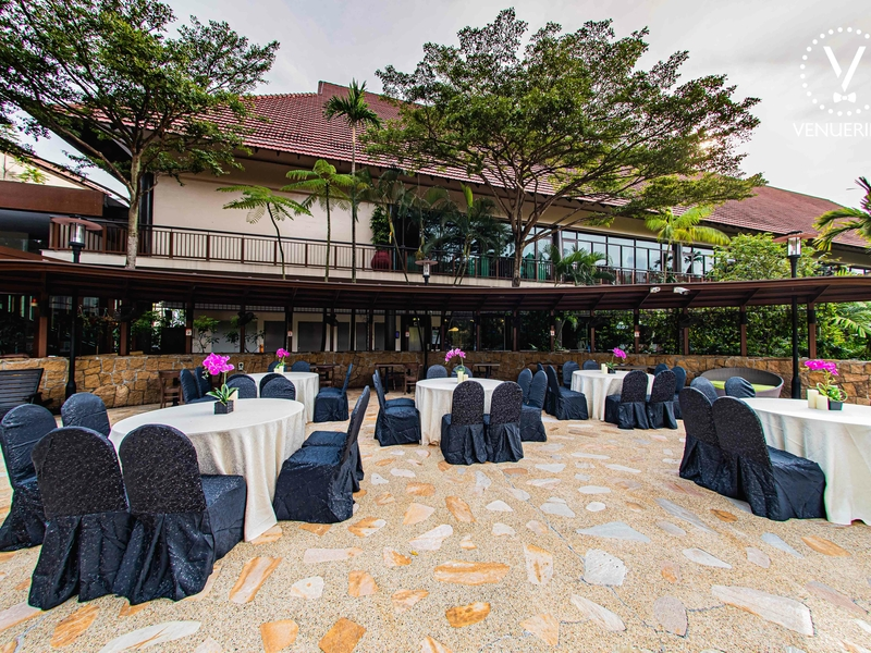 outdoor year end party space in singapore with banquet seating