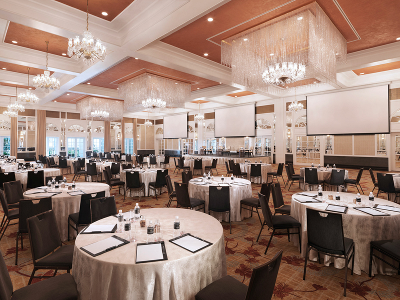 pilarless grand ballroom with round table seating layout