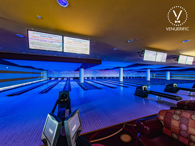 large singapore space for rent with bowling games area