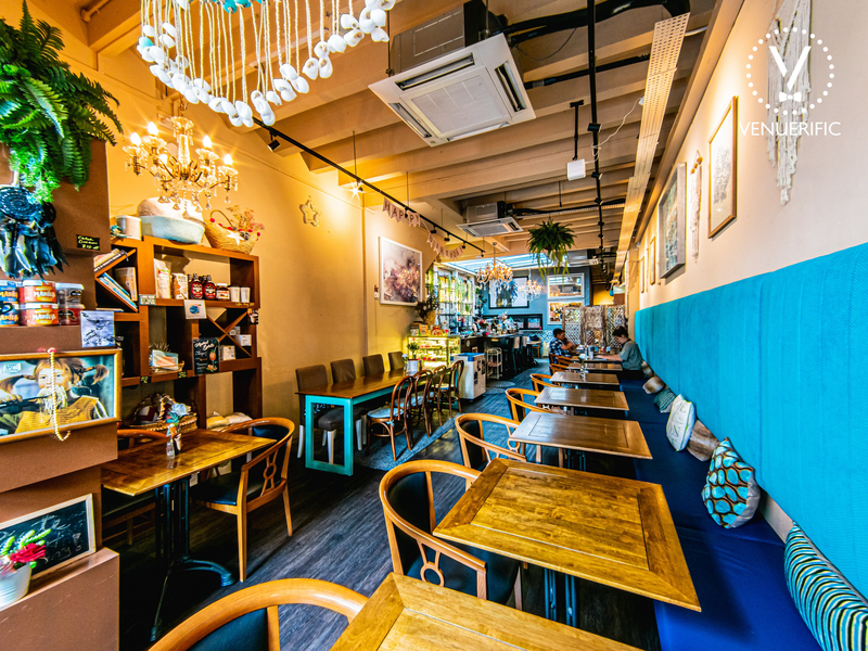 small restaurant with chic decoration