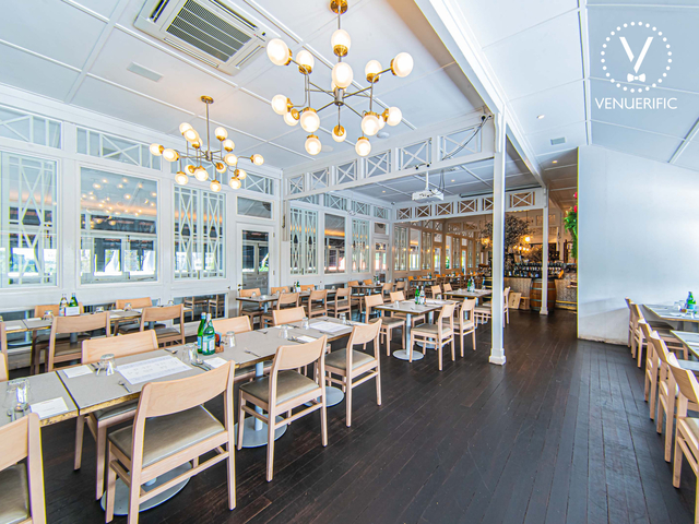 beautiful colonial interior of indoor dining area