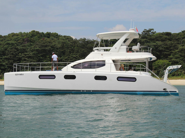 year end party yacht in singapore sailing in singapore small island