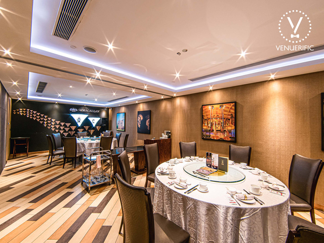 chinese restaurant with modern interior and round table setup