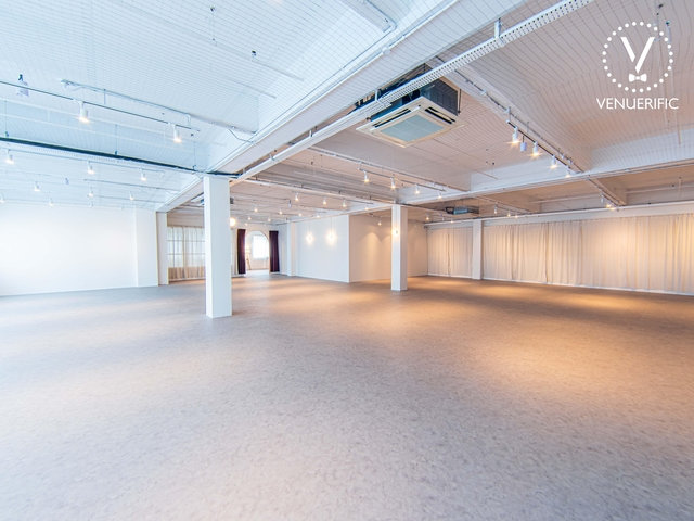 modern minimalist function hall for large scale event