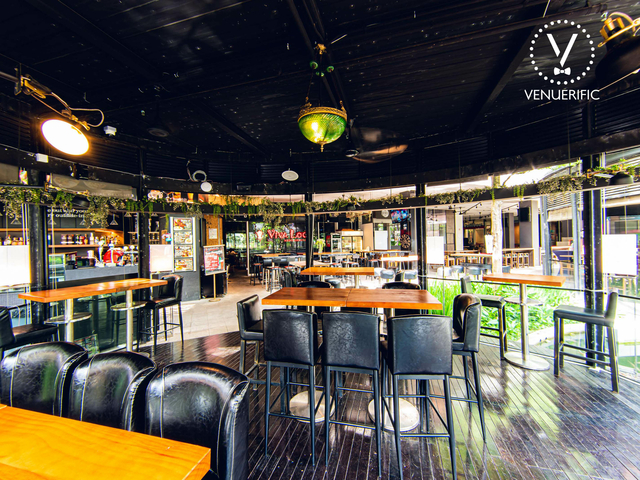 dinner dance venue in singapore with wooden floors and semi-outdoor area
