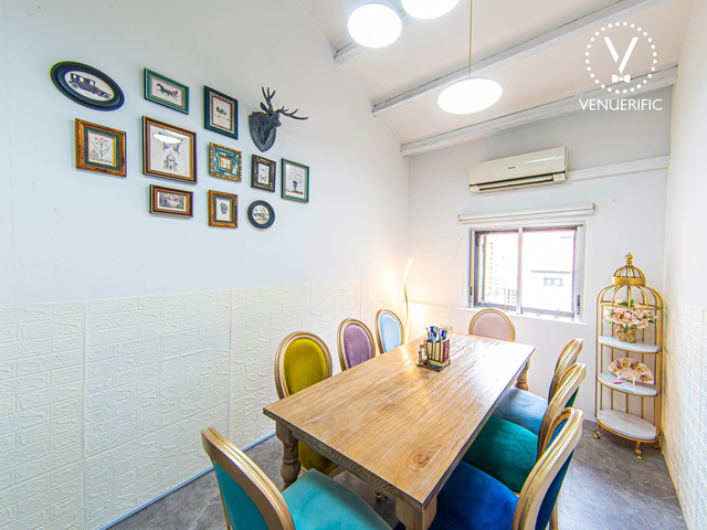 modern private room with alice and wonderland theme