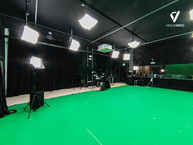 professional green screen studio