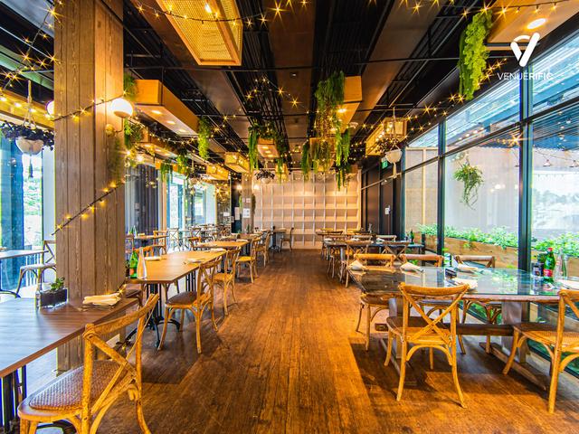 indoor main dining area with wooden floor