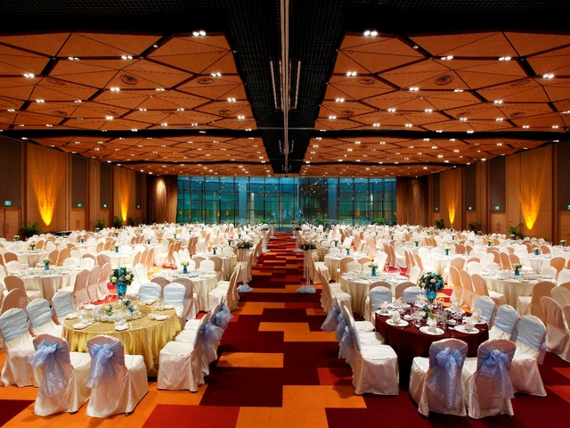 function hall with round tables for gala dinner