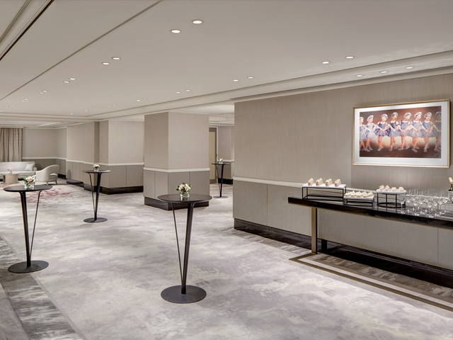 minimalistic and luxurious event space