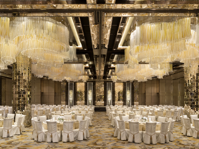 luxury ballroom for wedding banquts in ritz carlton