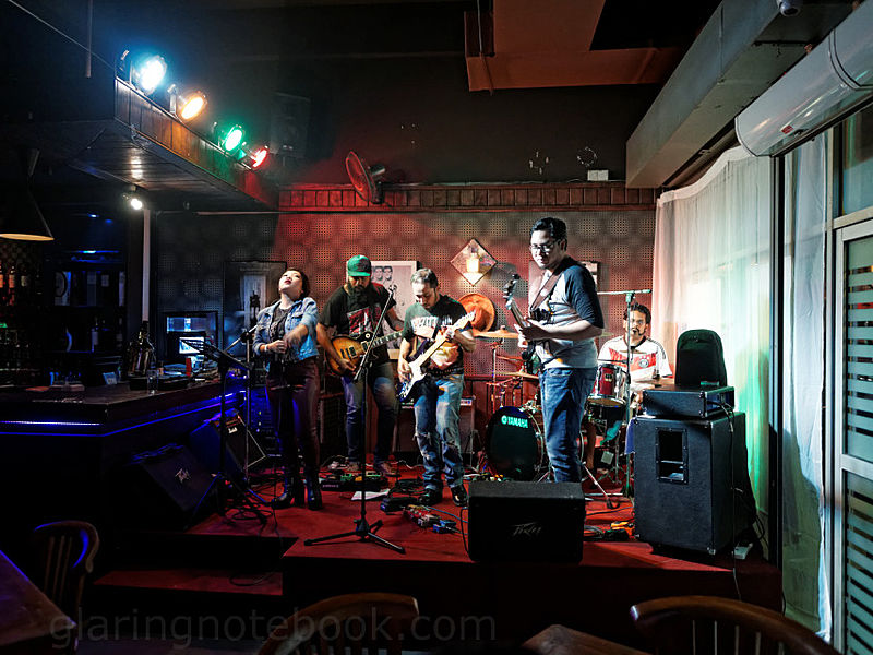 live music perfomance by bulls eye pub and restaurant