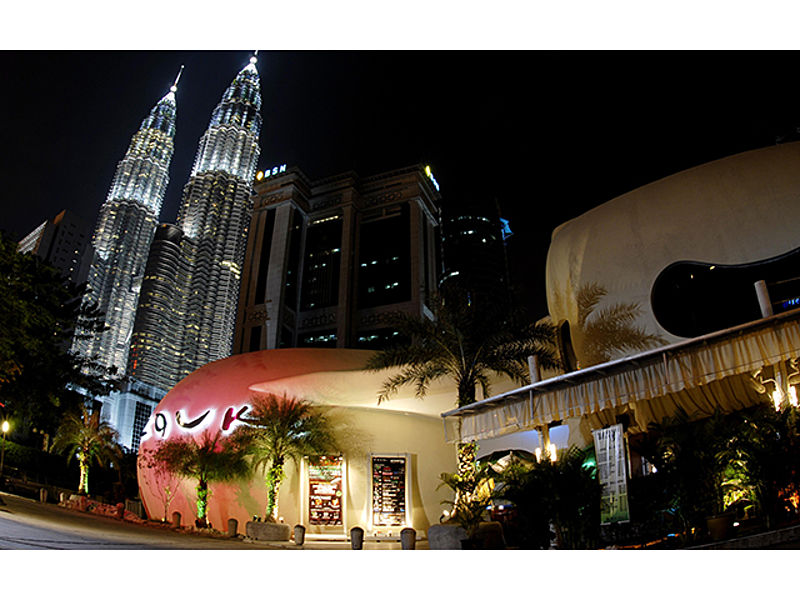 zouk room malaysia located near petronas twin towers