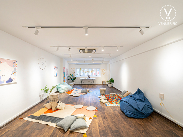 grids-circles-awesome-space-for-yoga-event-singapore
